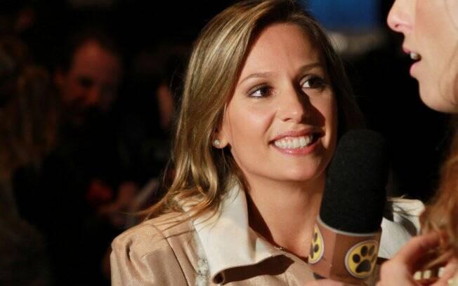 A apresentadora Luisa Mell trabalha no SPFW