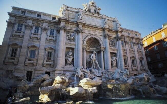 Projetada por Nicola Salvi, a Fontana di Trevi é um dos pontos turísticos mais visitados