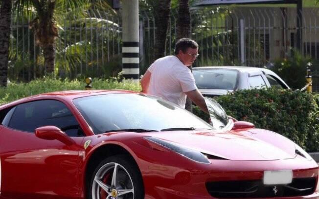 Boninho e sua Ferrari 458 Itália