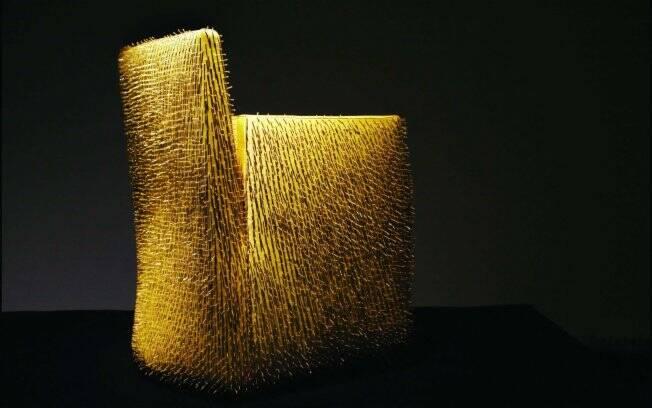 A poltrona AURA, de Maurizio Galante, é uma das peças que está na Interware do Brasil