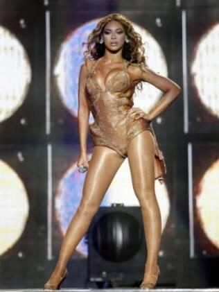 Violão de fazer inveja! As curvas generosas da cantora Beyoncé