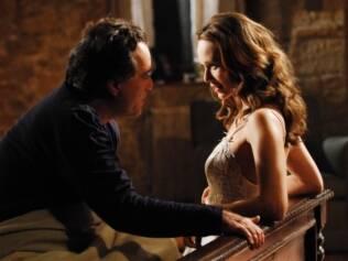 Mariana Ximenes seduz Tony Ramos em cena de Passione