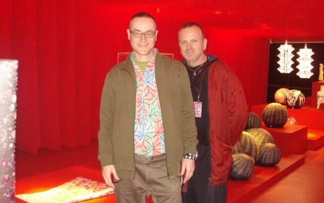 O israelense Tal Lancman e o italiano Maurizio Galante na exposição Interware, na Oca