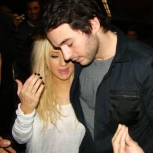 Christina Aguilera e Matthew Rutler deixando o Brasil em janeiro