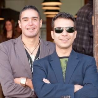Os consultores Ares (esquerda) e Alexandre (direita) recomendam evitar reclamações e polêmicas no primeiro encontro