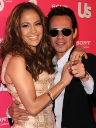 Jennifer Lopez e Marc Antony devem milhões para a justiça