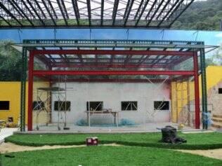 A nova academia é projetada em vidro