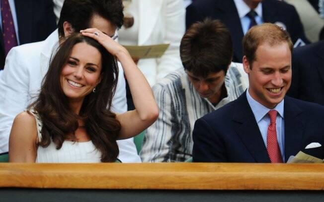 Kate Middleton e Príncipe William durante partida de tênis no torneio de Wimbledon, nesta segunda-feira (27)