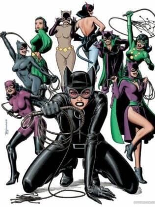 Os muitos looks da Mulher-Gato ao longo dos anos, segundo a D.C Comics, editora criadora da personagem