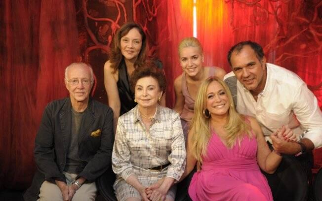 Monique com Roberto Maya, Thais de Campos, Beatriz Segall, Humberto Martins, Susana Vieira, que estão no elenco de