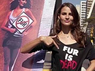 Fernanda Tavares: pele já era