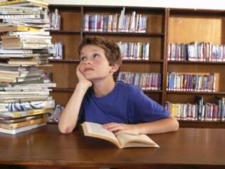 Aproveitamento escolar: meninos amamentados até os seis meses tiveram melhores resultados