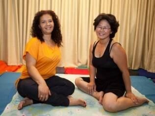 A terapeuta Celi e Julia: o trabalho ajudou a superar a timidez