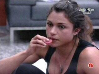 Mal assumiu a liderança, Maria já afirmou que vai emparedar Adriana