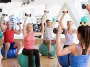 Exercícios: programa regular e orientado reduz mais as taxas de glicose do que apenas aconselhamento médico