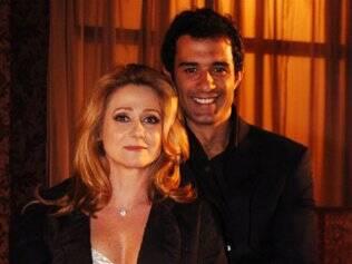 Ester (Zezé Polessa) e Tadeu (Marcos Pasquim) em