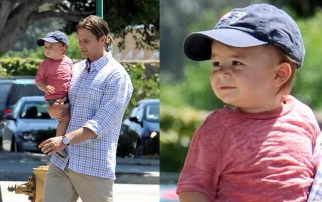Tom Brady passeia com Benjamin em Los Angeles, Califórnia