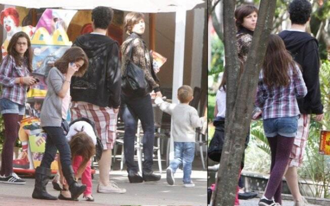 Bruno, Maria Paula e os filhos deixam cinema em shopping carioca