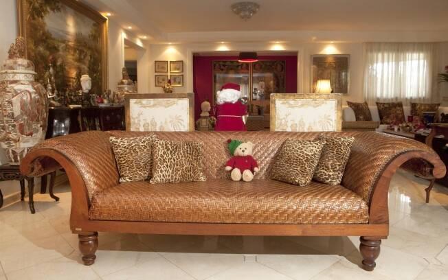 O urso de pelúcia vestido com malha da Ralph Lauren foi a última aquisição de Biaggi em sua loja preferida, a The Christmas Cottage, em Nova York
