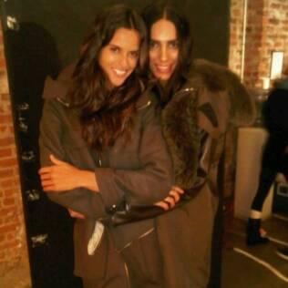Izabel Goulart e Lea T.: tops da Givenchy
