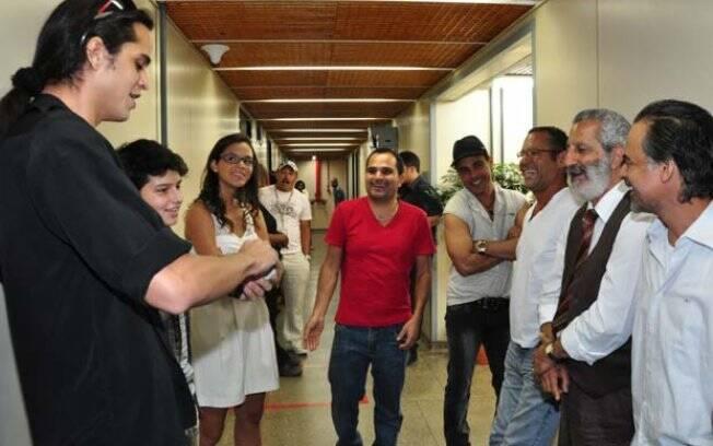 Zezé di Camargo e Luciano nos bastidores de
