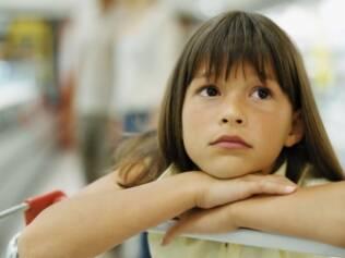 Publicidade restrita: medidas da OMS querem combater consumo de alimentos não saudáveis, uma das causas da obesidade infantil